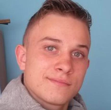 Łukasz, lat 22